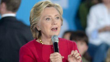 Hillary Clinton dénonce le comportement effrayant de Donald Trump en débat: «Il me respirait littéralement dans la nuque»