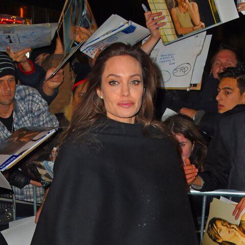 Angelina Jolie refuse de rendre sa bague de fiançailles à 220 000 euros