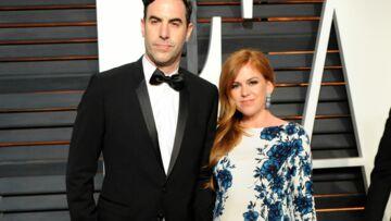 Isla Fisher enceinte et rayonnante aux Oscars