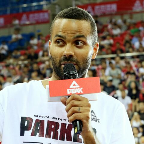 Tony Parker rate sa photo avec Obama