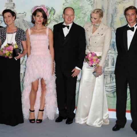 Bal de la Rose: entourée de sa famille, Caroline rayonne