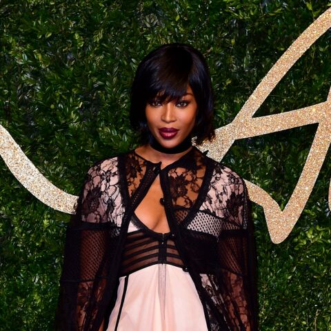 Naomi Campbell, poupée dark des British Fashion Awards