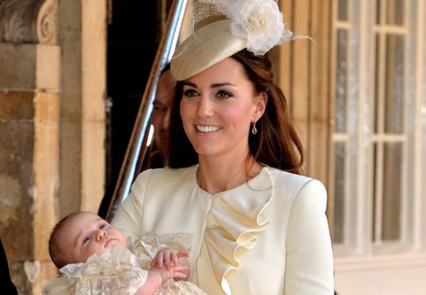 Kate Middleton lumineuse avec son bébé