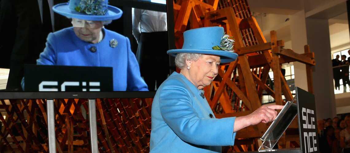 Elizabeth II, reine des tweets