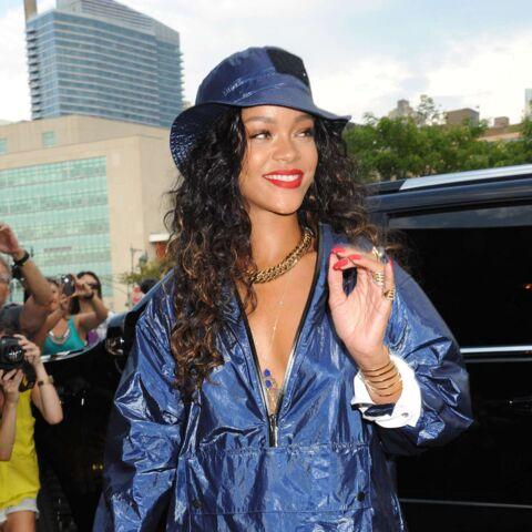 Rihanna, Léa Seydoux, Cara Delevingne… Bleu marine toutes!