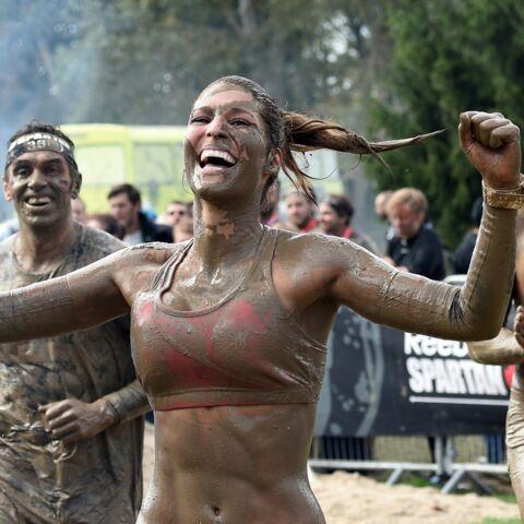 Laury Thilleman sexy dans la boue