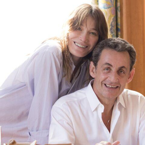Photo exclu: Carla et Nicolas Sarkozy dans leur maison du Cap Nègre