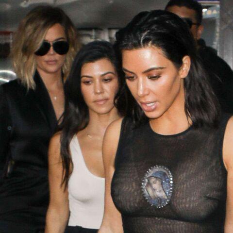 PHOTOS – Kim Kardashian: polémique autour de sa robe transparente à l'effigie de la Vierge Marie