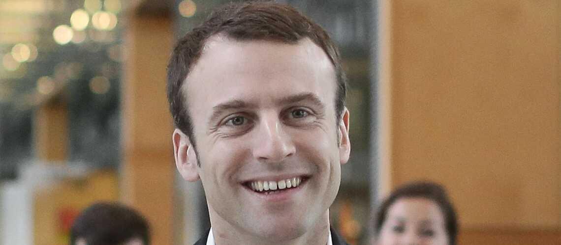 Emmanuel Macron démissionne