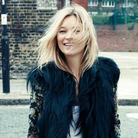 Kate Moss tout sourire