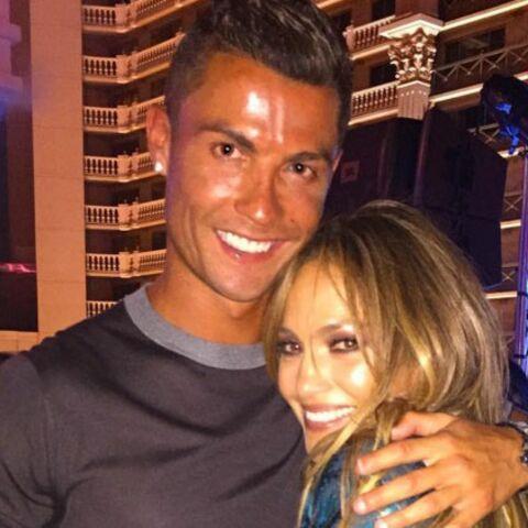 Cristiano Ronaldo prend du bon temps avec Jennifer Lopez