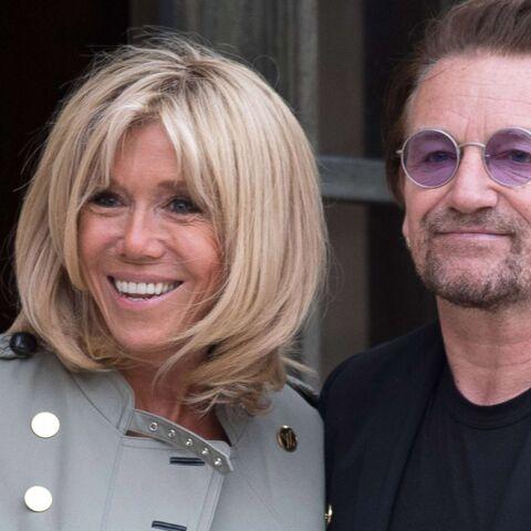 PHOTOS – Brigitte Macron: slim noir et veste militaire pour sa rencontre avec Bono