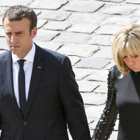 VIDEO – Brigitte Macron très digne tout en noir aux obsèques nationales de Simone Veil