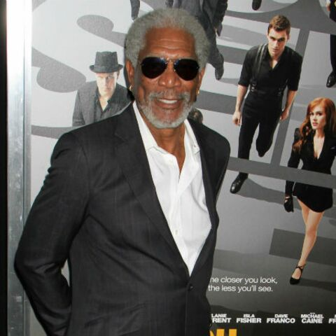 Morgan Freeman s'endort face à des journalistes