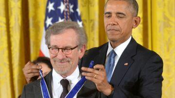 Barack Obama remet la Médaille de la Liberté à Steven Spielberg