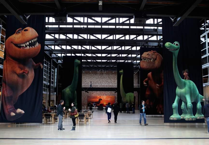 Le hall d'accueil de l'immeuble Steve Jobs