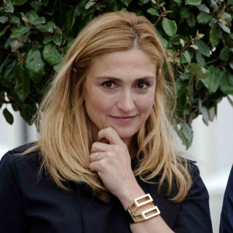 "Julie Gayet, plus ""ciné-fille"" que first lady"