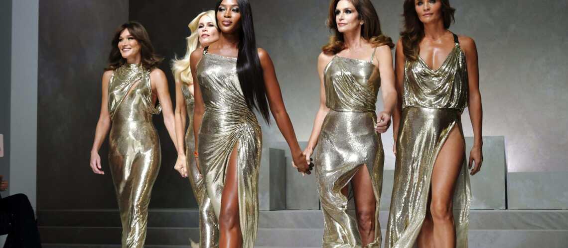 PHOTOS – Défilé Versace: Carla Bruni, Naomi Campbell, Claudia Schiffer, que sont-elles devenues?
