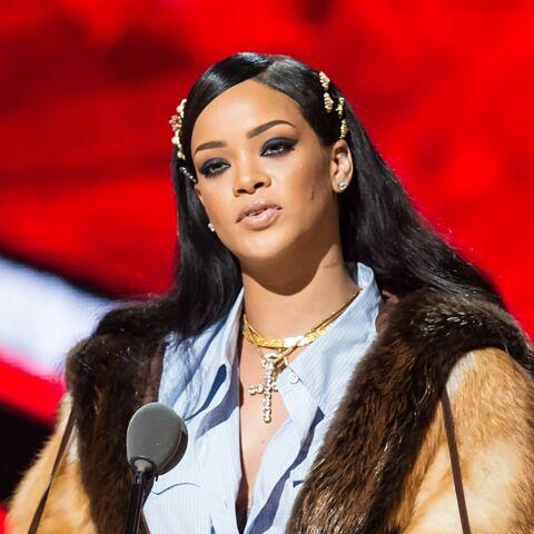 Vidéo – Rihanna rend un vibrant hommage à Prince