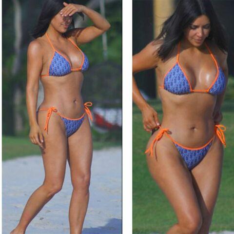 PHOTO – Kim Kardashian sexy à la plage dans un bikini monogramé Dior