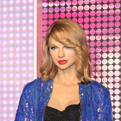 Taylor Swift se déguise en elfe pour Noël