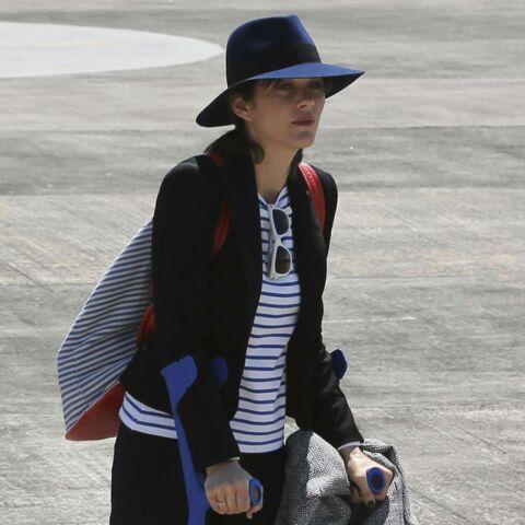 Marion Cotillard en béquilles aux Philippines