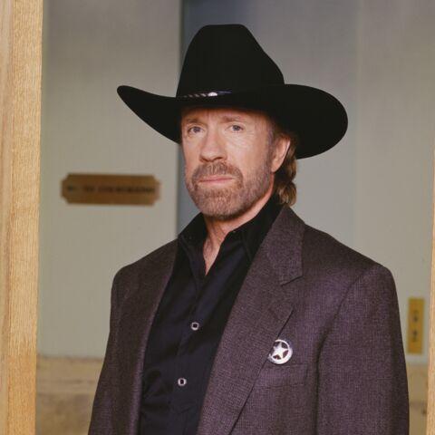 Chuck Norris à la rescousse de Cyril Hanouna