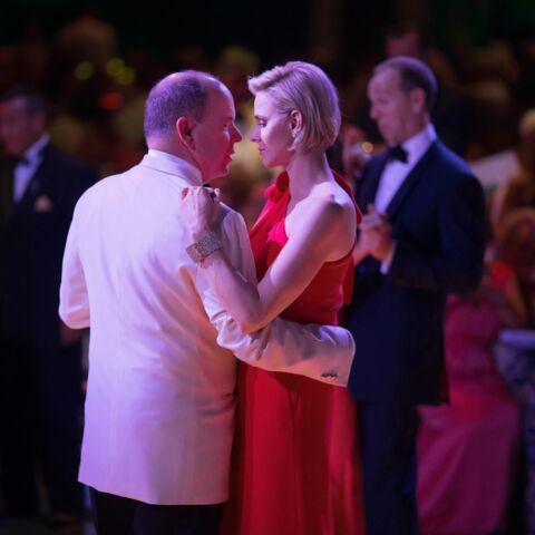 Photos- La princesse Charlène de Monaco rayonnante au gala de la Croix-Rouge