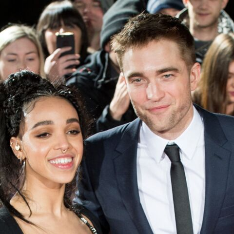 PHOTOS- Robert Pattinson et sa fiancée FKA Twigs in love sur le tapis rouge