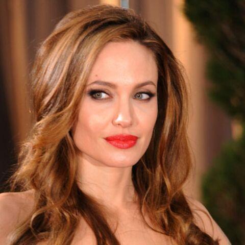 Angelina Jolie prend les critiques par-dessous la jambe