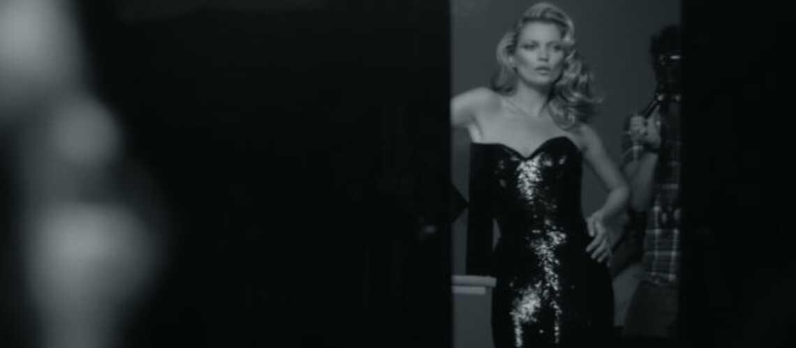 Kate Moss tête en l'hair