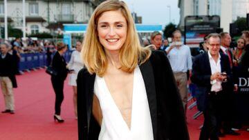 Vidéo –À Cannes, Julie Gayet devient journaliste
