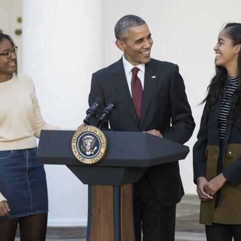 Barack Obama gracie la dinde avec ses filles pour Thanksgiving