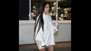 PHOTOS – Kim Kardashian sort pour la première fois à visage découvert depuis son agression, sans maquillage et visiblement déprimée