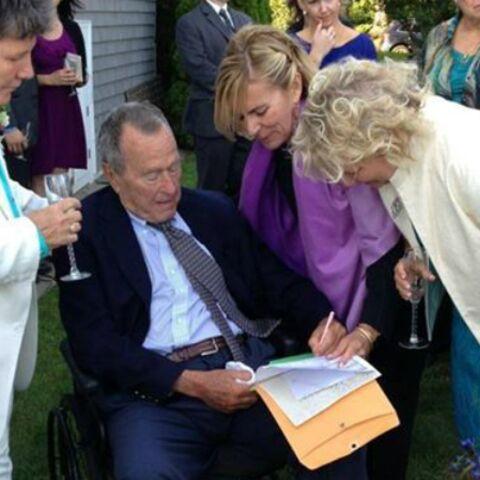 George Bush senior témoin aux noces de deux amies lesbiennes