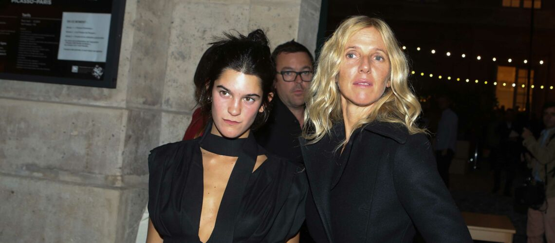 PHOTOS – Suzanne, la fille de Sandrine Kiberlain et Vincent Lindon, stylée à la Fashion Week