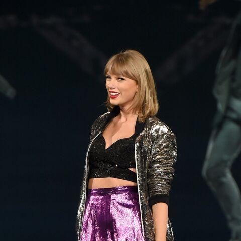 Taylor Swift reprend Smelly Cat en duo avec Lisa Kudrow