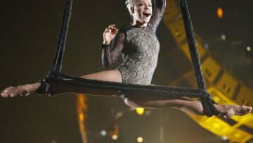 Pink, incroyable acrobate aux Grammy Awards
