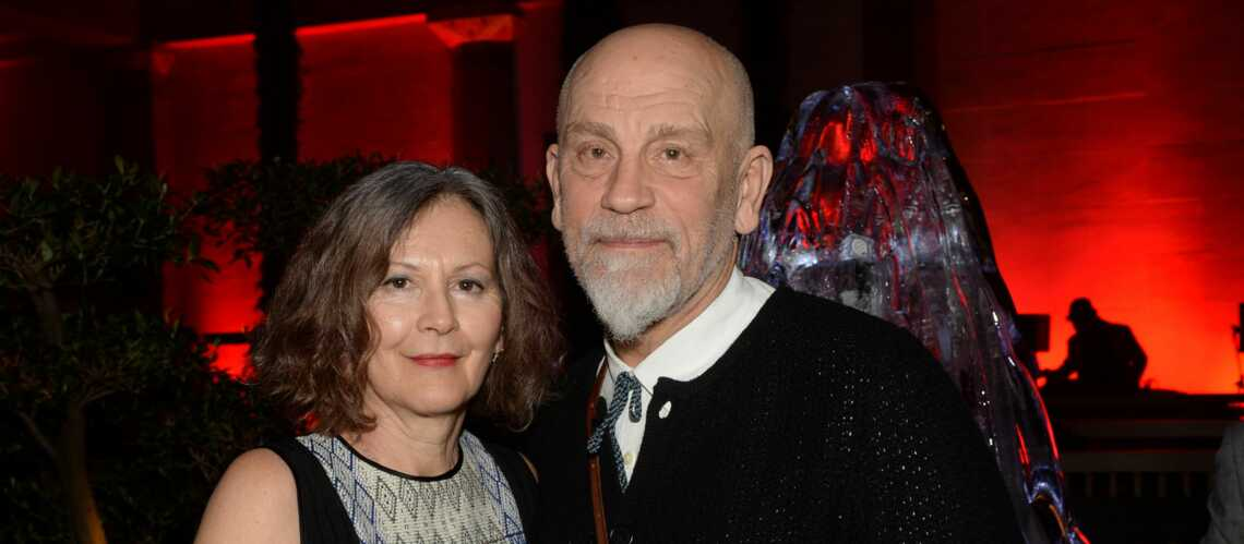 gala by night john malkovich et sa femme f tent le nouvel an russe gala. Black Bedroom Furniture Sets. Home Design Ideas