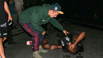 VIDÉO – Justin Bieber renverse un photographe en sortant de la messe