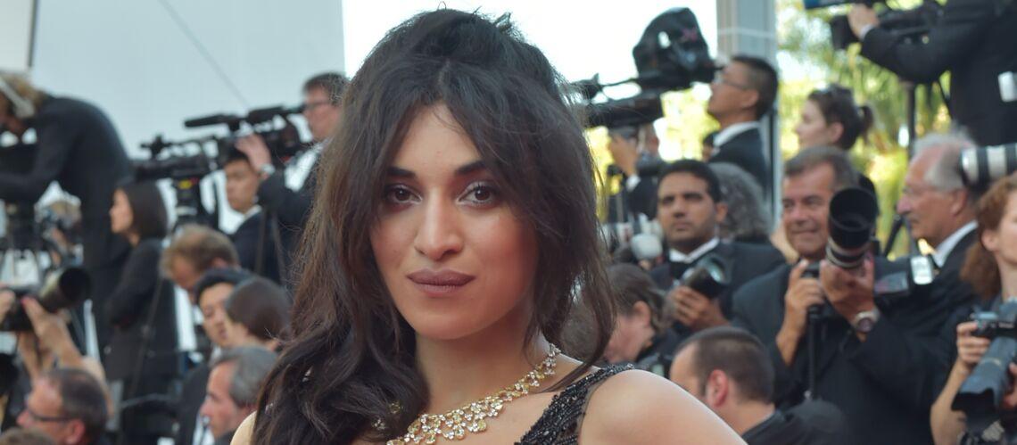 PHOTOS – Piercing, taches de rousseur: Camélia Jordana est méconnaissable avec son nouveau look