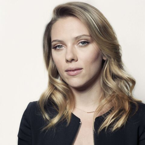 Scarlett Johansson dans le tailleur d'Hillary Clinton