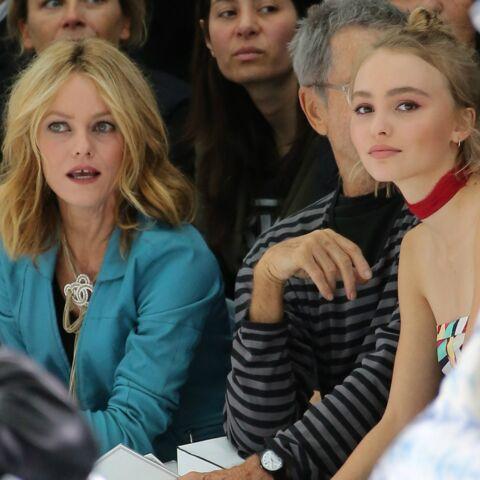 PHOTOS – Vanessa Paradis et Lily-Rose Depp: en voyage, c'est relâche vestimentaire