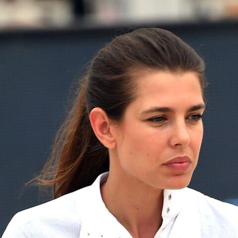 PHOTOS – Charlotte Casiraghi en cuir, la fille de Caroline de Monaco très remarquée au défilé Saint Laurent