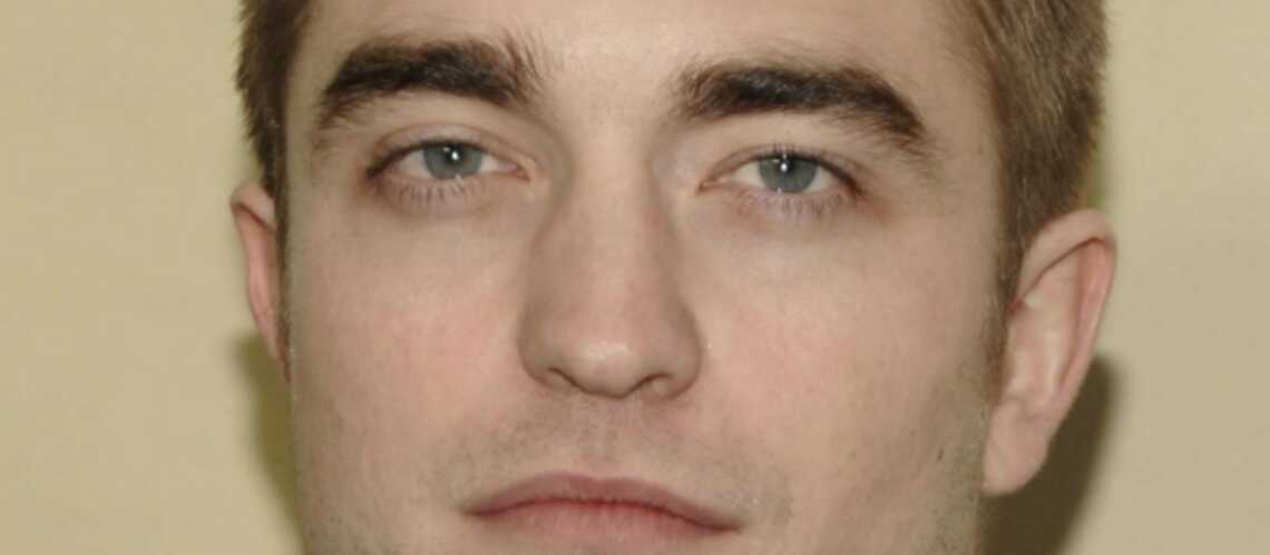 Robert Pattinson se sent seul