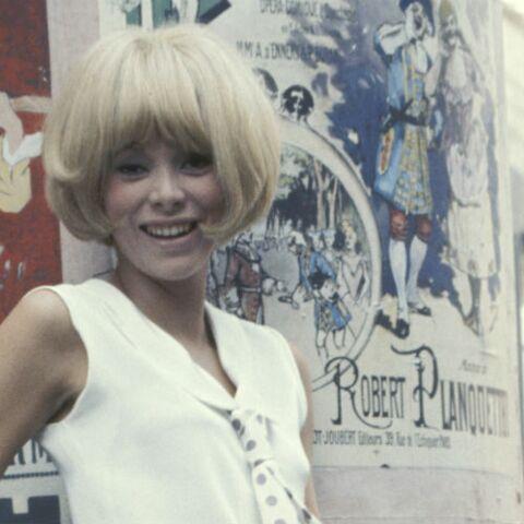 PHOTOS – Mireille Darc, sa coupe blonde a fait d'elle une icône