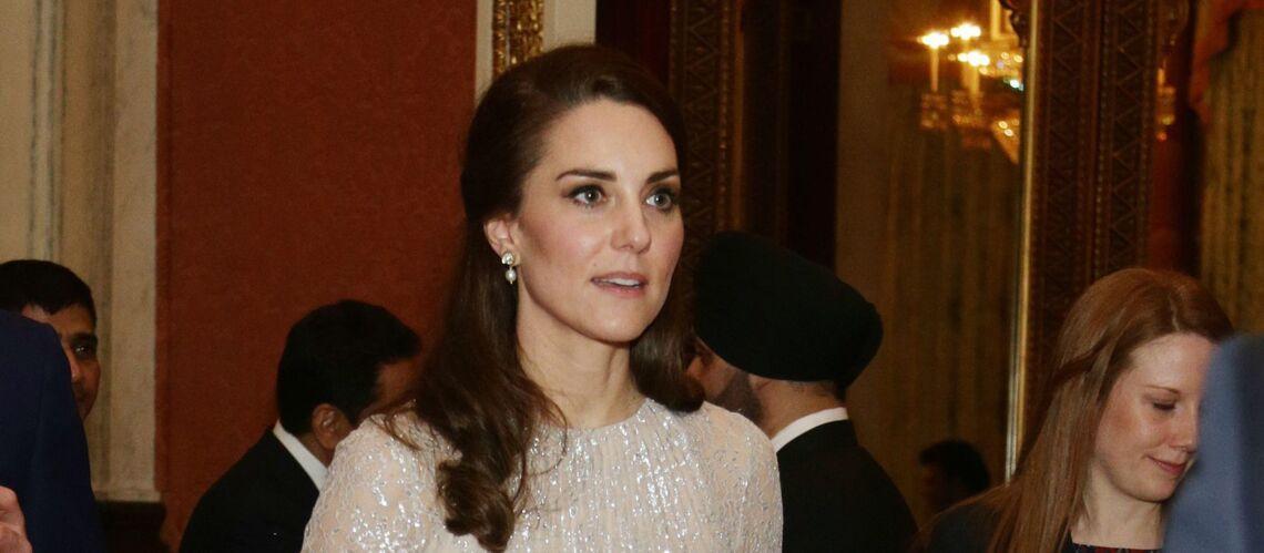PHOTOS – Kate Middleton, en robe scintillante, aussi glamour qu'une star d'Hollywood