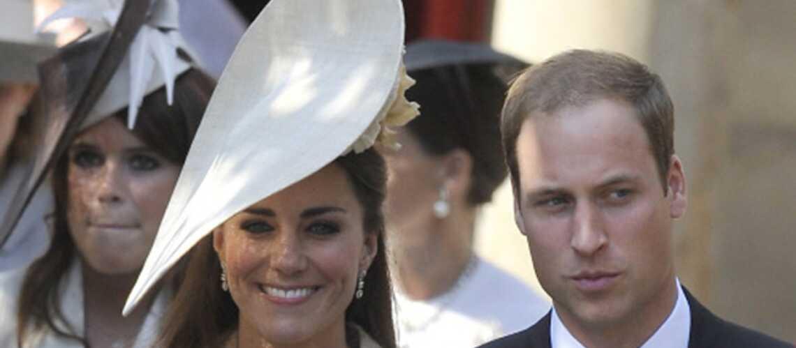 Le Prince William en mission loin de Kate