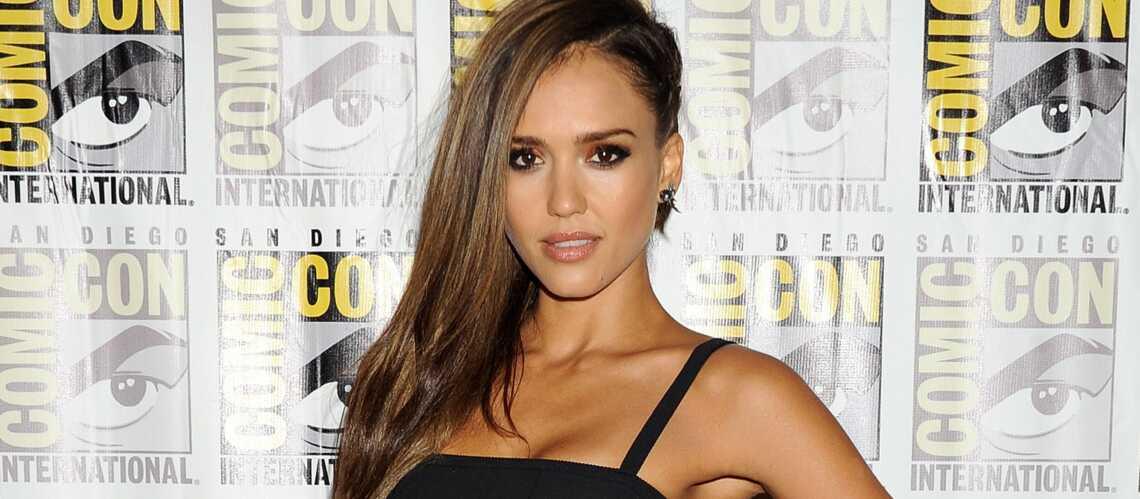 Jessica Alba, supermaman épuisée au Comic-Con