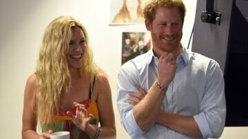 Vidéo – Quand l'Angleterre pleure, Prince Harry chante